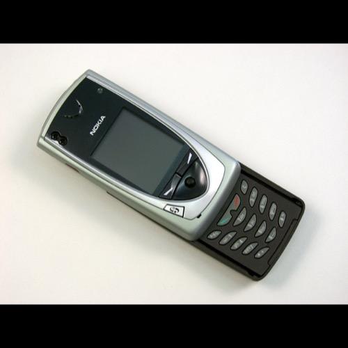 Gadget Vintage Smartphone. Nokia 7650. 2002